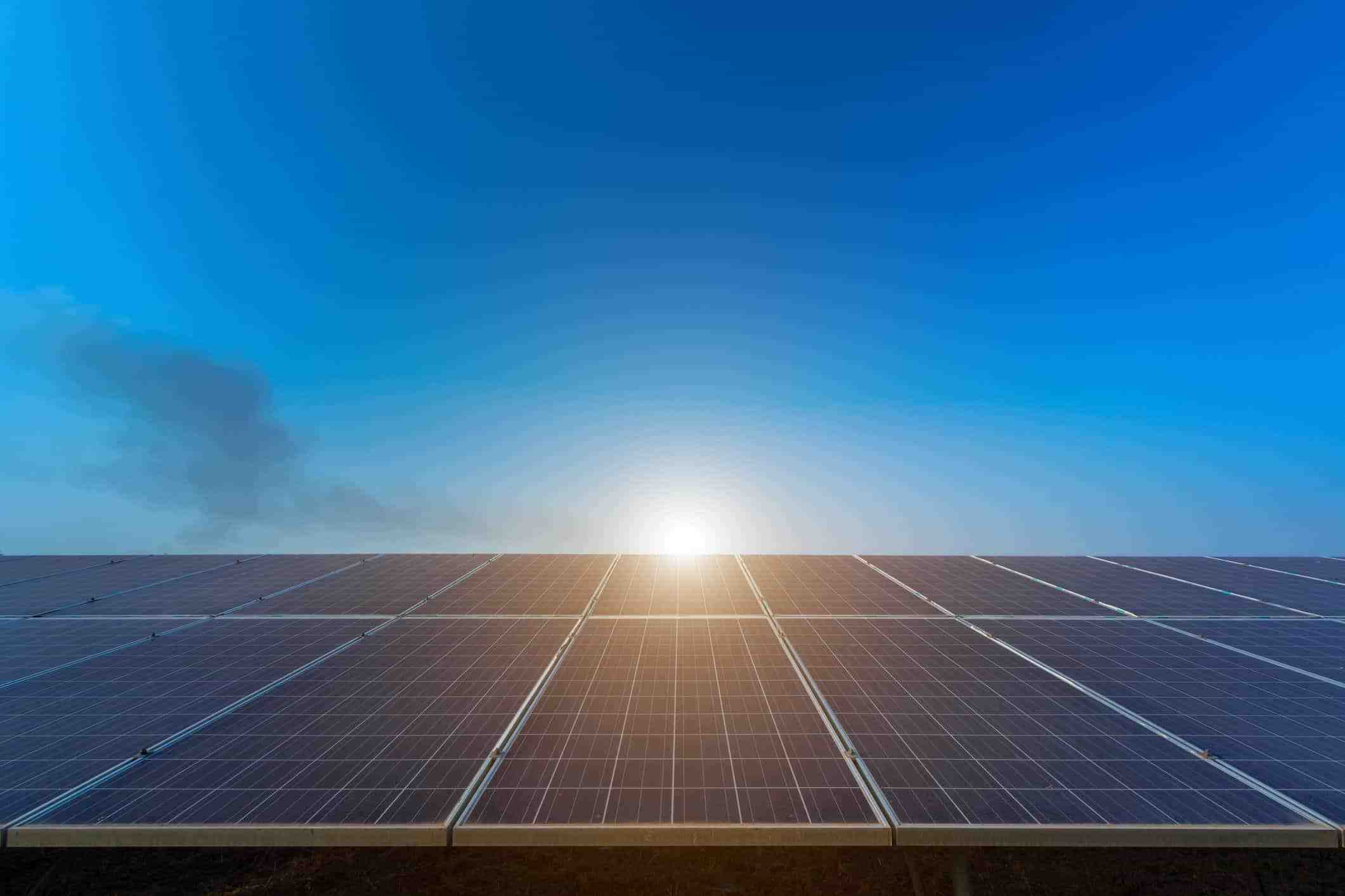 Are free solar panels a con?
