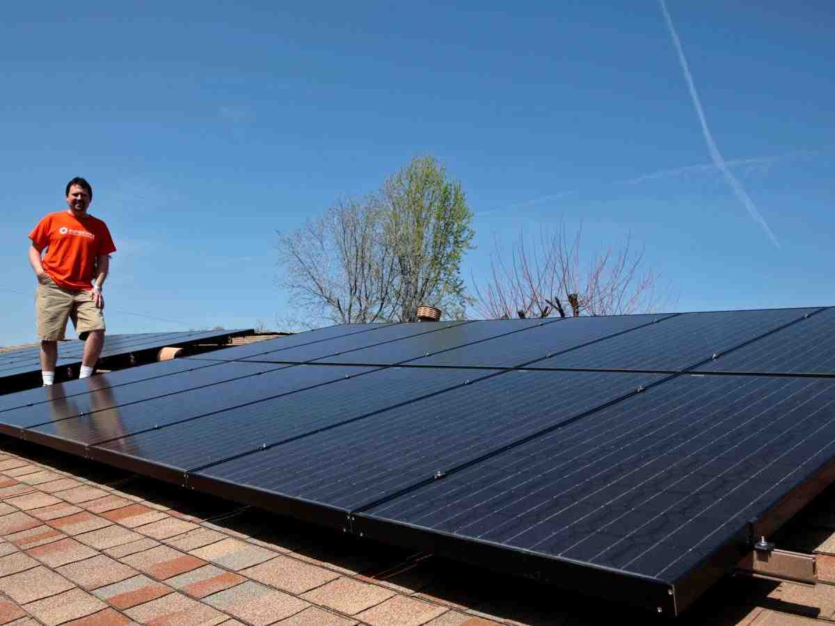 How do I find out if I qualify for free solar panels?