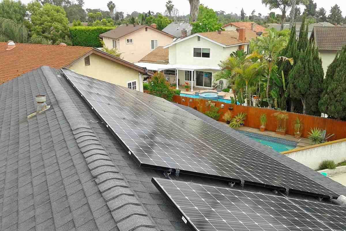 How much do solar panels cost for a 2000 square foot house?