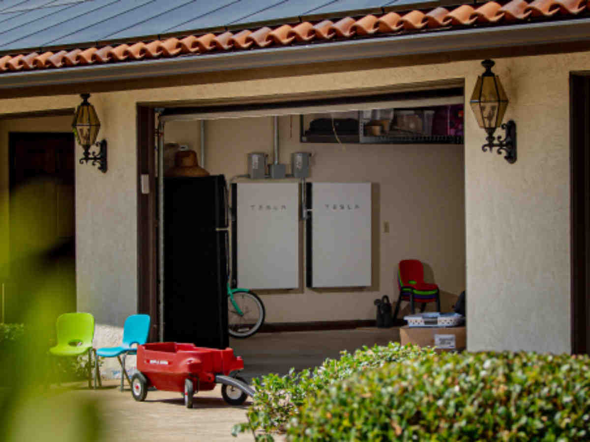 Are solar batteries worth it 2020?