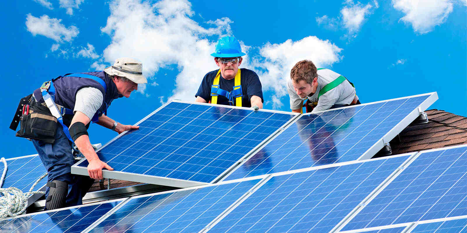 Can window cleaners clean solar panels?