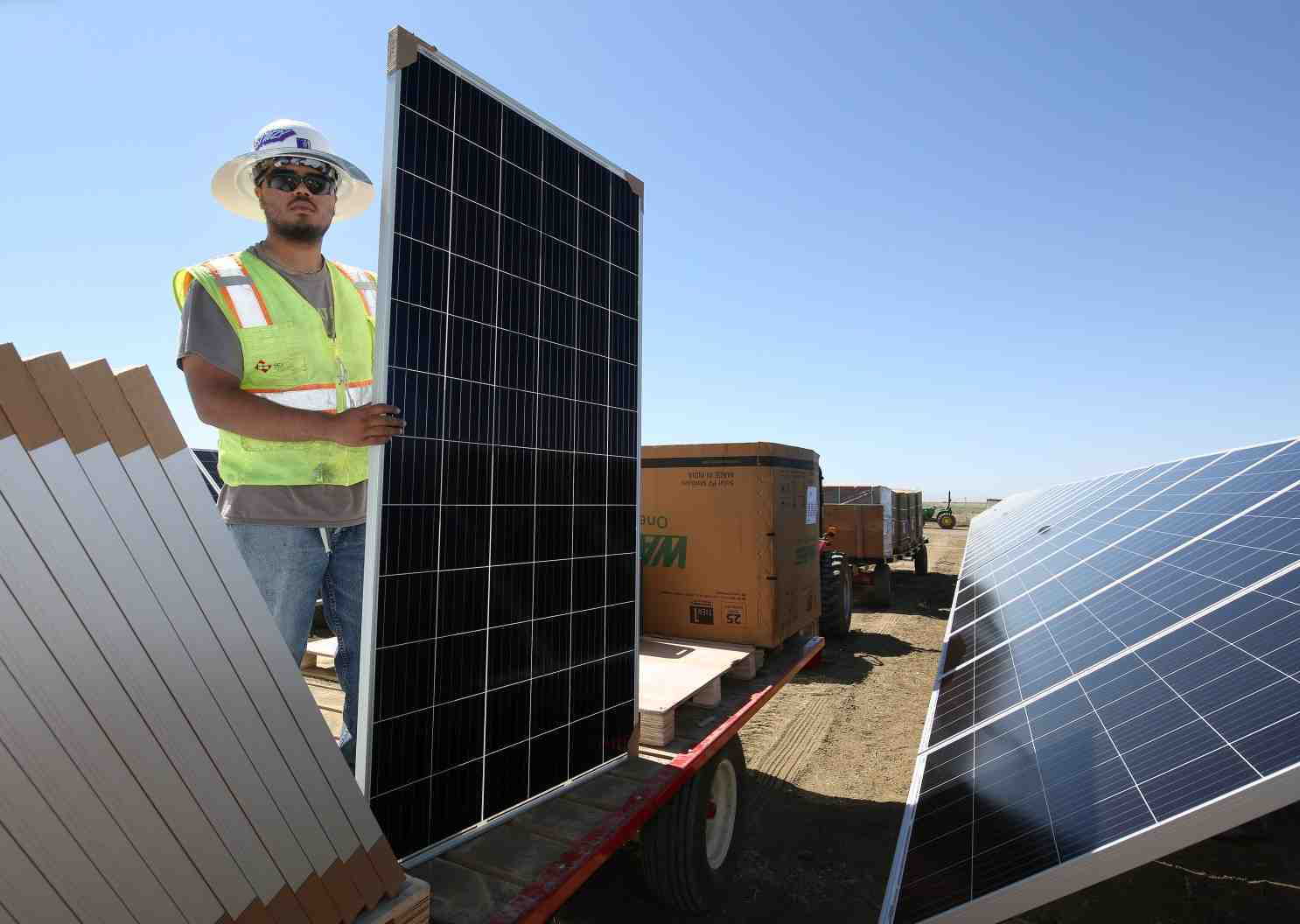 How long does it take to get solar permit in California?