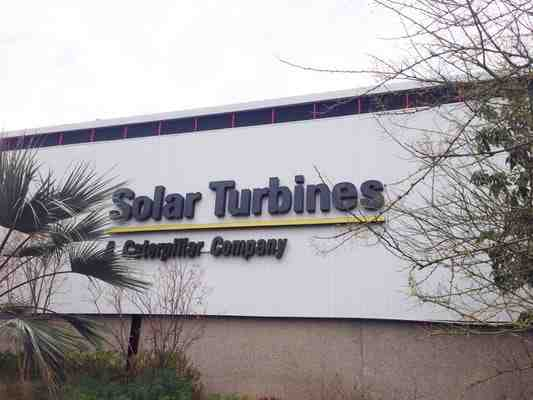 How many employees does Solar Turbines have?