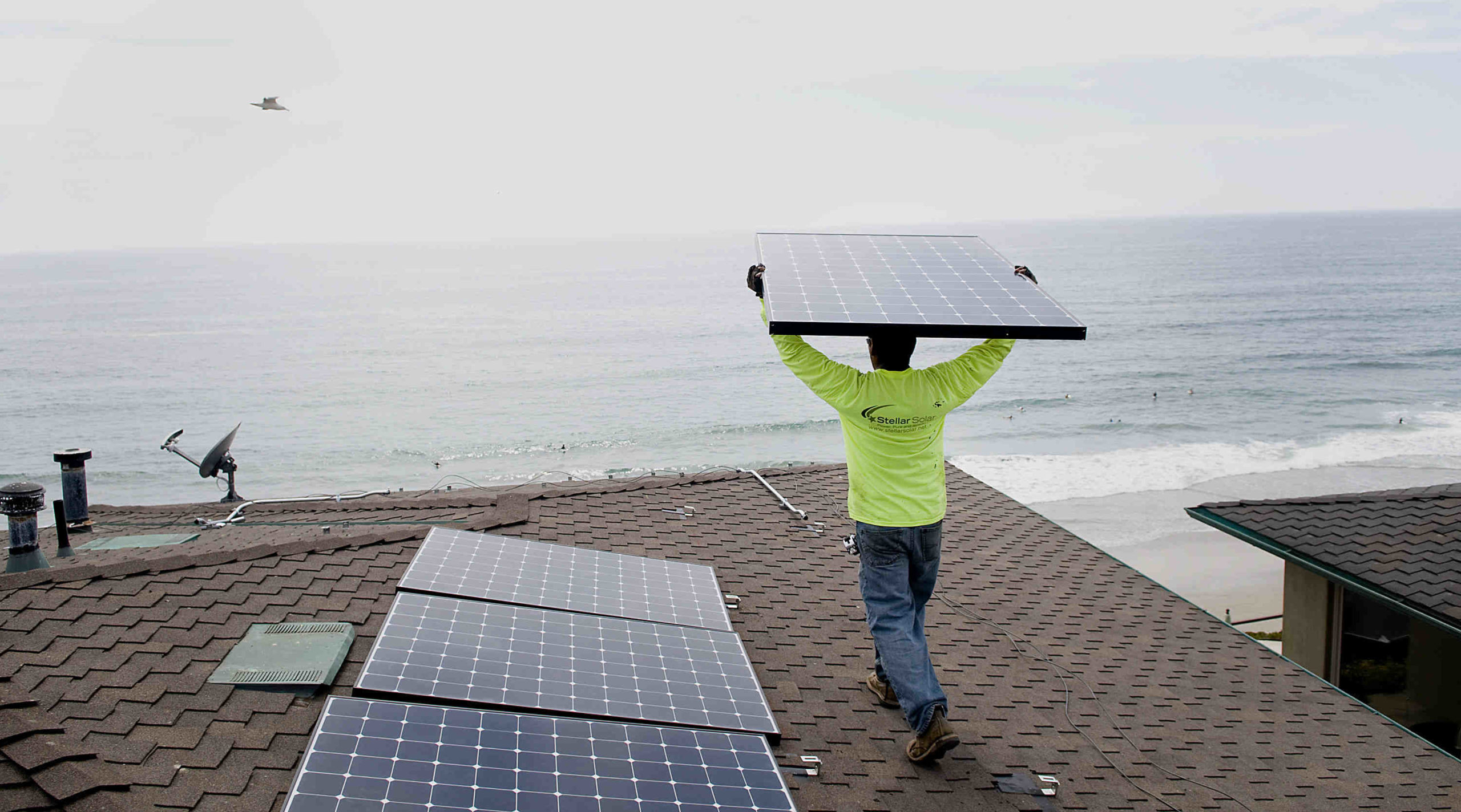 How many homes have solar in San Diego?
