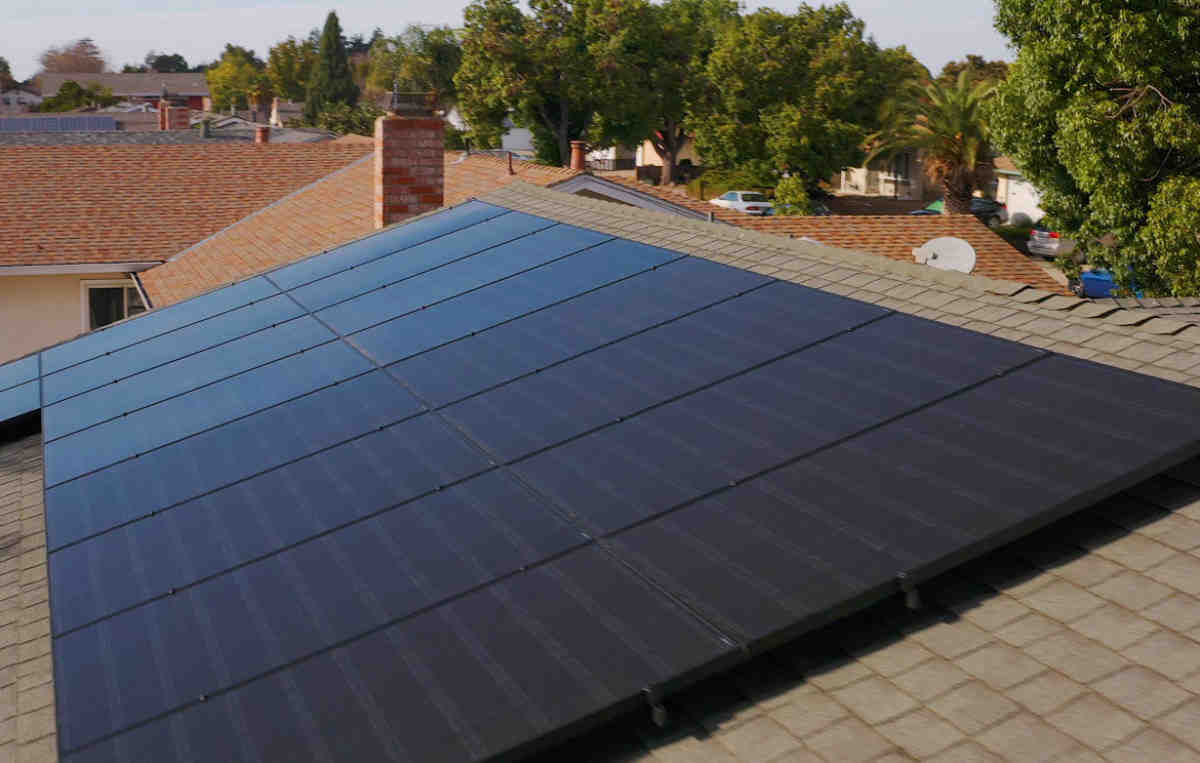 How much does solar wholesale cost?