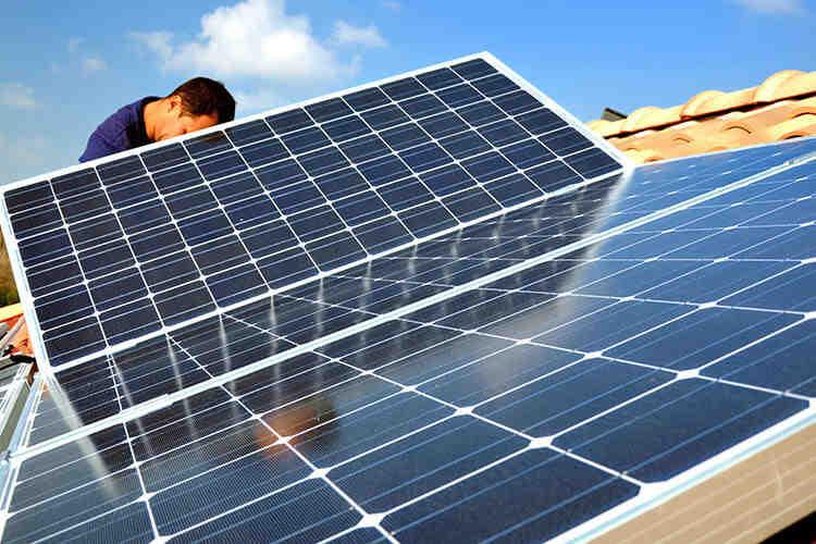 Do electricians work on solar?