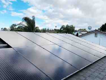 How many solar panels do you need to run a pool?