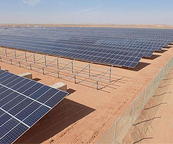 Iraq, UAE sign deal on 5 solar electricity plants